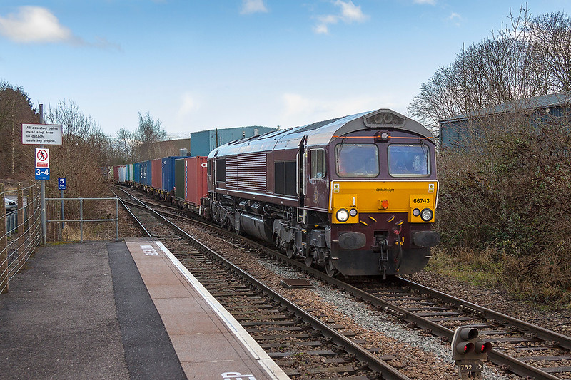 15th Jan 2018:  I was not expecting the blue sky but it suddenly arrived after I had decided where to stand for the picture.  66743 was a further surprise and is not the eaziest to picture in dull light.  The Royal Scotman liveried GBRf shed is working 6M46 from Marchwood to Biscester and is pictured at Warminster