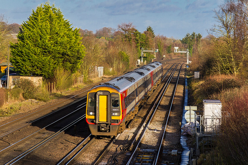 17th Jan 2018:   Captured at Worting Junction are 159011 & 159010 forming 1L37 the 13.20 to Exeter from Waterloo