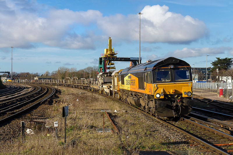10th Jan 2018: 66850 is captured as it passes Millbrook as it returns to Eatleigh from Cardiff Queeen Street with an empty Long Welded Rail train.  66847 is at the rear