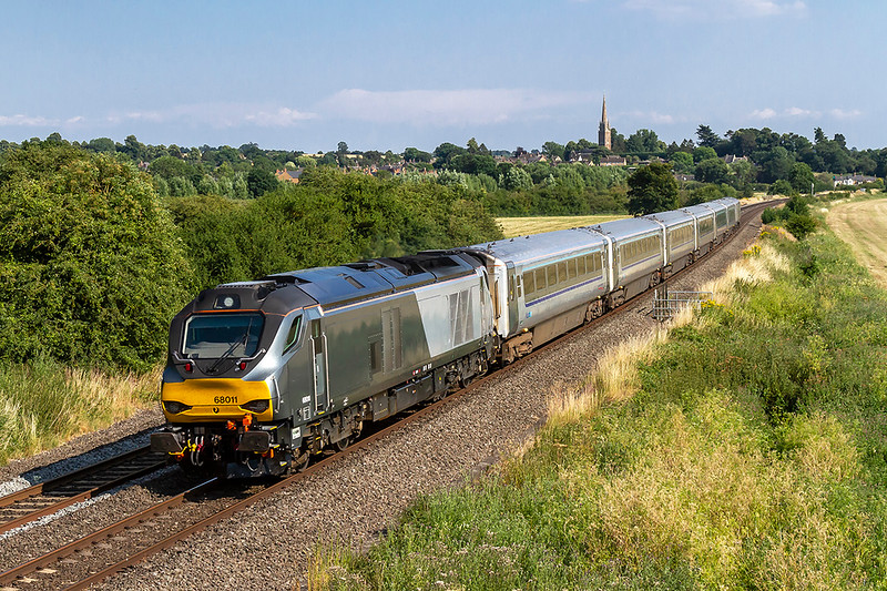 5th Jul 2018:  The evening class 68 workings were the reason for the visit to Kins Sutton and this is the first. 68011 works 1K45 the 16.15 from Marylebone to Kidderminster