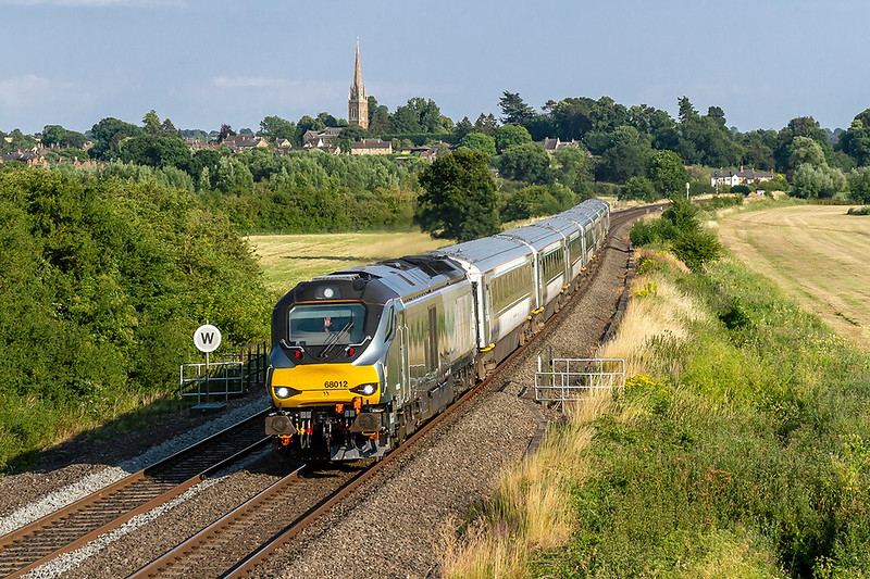 5th Jul 2018:  68012 is providing the urge for ECS 5U50 from Bicester North to Banbury Depot Reception on the rising line through Kings Sutton