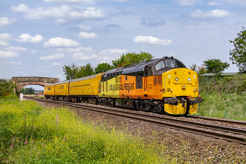 19th Jul 2018:  At Heywood 37175 is working 3Z88 back to Westbury after a brief visit to Bristol Barton Hill.  Earlier in theeday it had worked 3Q60 from Reading Triangle Sidings to Westbury via Cardiff.