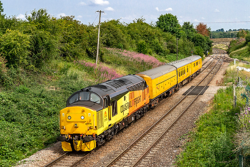 19th Jul 2018:  Taking what looks to be a lunch time break from the duties of 3Q60 37175, being controlled from DVR 9714, is heading to Bristol Barton Hill as 3Z88.  It is due back in Westbury after presumably getting a juice refill, at just after 3pm.  The location is Hawkeridge Jnction.