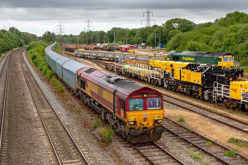20th Jun 2018:  Running 34 minutes early into the Reception Line at Hinksey yard is 66112 as it works 4Z41 from Morris Cowley to Southampton Eastern Docks.  Here the locomotive will run  round and then departed to the south right time at 17.58