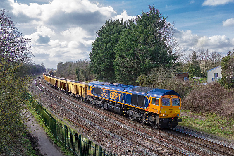 21st Mar 2018:  Drifting  slowly down the grade towards Bradford Junction, where  it will stop to wait  for the line to Thingly Juncution to clear, is 66777 'Annette' working 6M40 from Westburyto Stud Farm