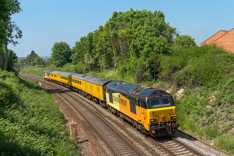 23rd May 2018:  1Z22 Started from Tyseley and is making for Bristol High Level Siding via Weymouth.  Powered  by 67023 and with 67027 on the tail the test train is pictured from the Mud Lane bridge as it leaves Trowbridge