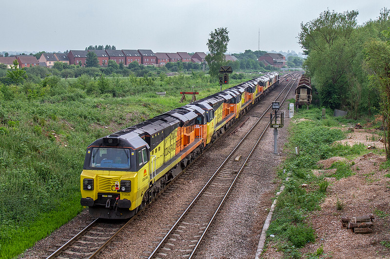 28th May 2018:  A 7 loco move is too good to miss even on a cloudy day.  0X75 is working from Bescot to Westbury with a hired in 66732 on the point.  The other locos are Colas 66847, 66848, 70815, 70807, 70808 & 70806 and the location is Hawkeridge Junction.