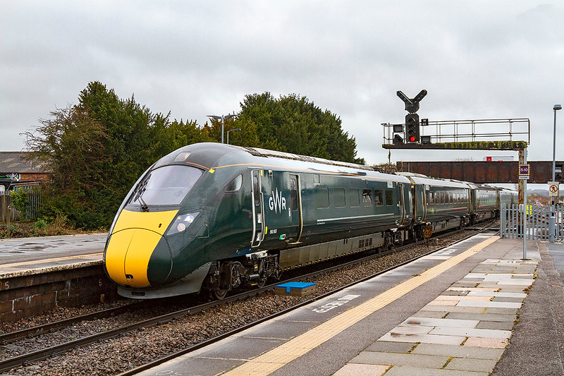 27th Nov 2018: I was hoping that 1C77 the 10.33 Paddington to Paignton would  be formed of a 8003 as it has been recently. However on time at Westbury 800005, which I have pictured a number of times before, turned up. Sun would have been nice but trains also run when it is cold wet and miserable like today.