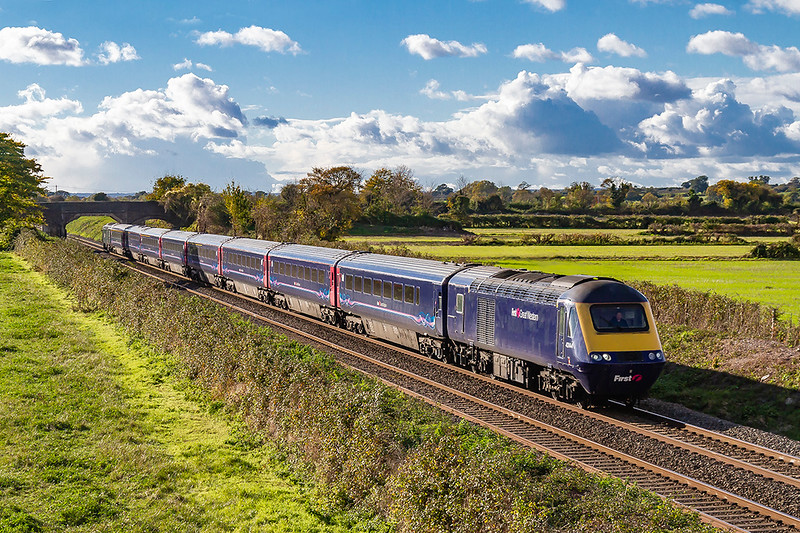 26th Oct 2018:  1A87 the 12.55 from Plymouth to Paddington actually started fron Totnes at 13.22 because it's previous working was running late so was terminated there.  Pictured as it runs through Edington is 43144 leading and 43005 at the rear