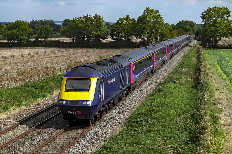 5th Sep 2018:  With their days now numbered HSTs must be pictured while you can.  43159 is leading on 1C78 the 11.03 to Plymouth, captured from Cowleaze Lane in Edington.  The first class is leading where as they were usually scheduled to be on the London end so that 1st class passengers did not have too far to walk.