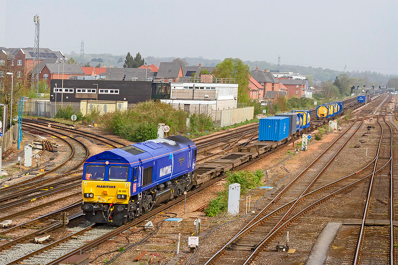 18th Aprn 2019:  4O43 is running from Wakefield Europort tio Southampton Western Docks Berth 109 and is in the hanads of 66005.  This loco is one of three that have been repainted into the Maritime blue livery and this one is named 'Maritime Intermodal One'