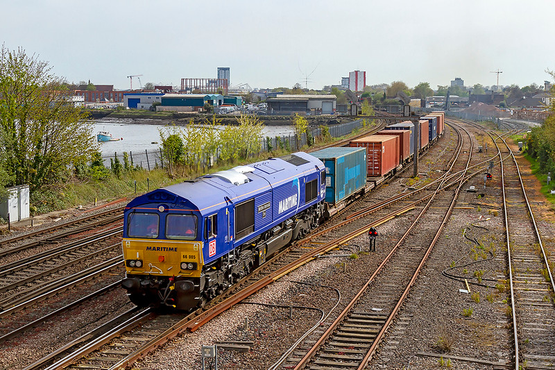 18th Apr 2019: 66005 'Maritime Intermodal One' working 4E68 back to Wakefield Europort from Southampton Western Docks is nearing St Deys