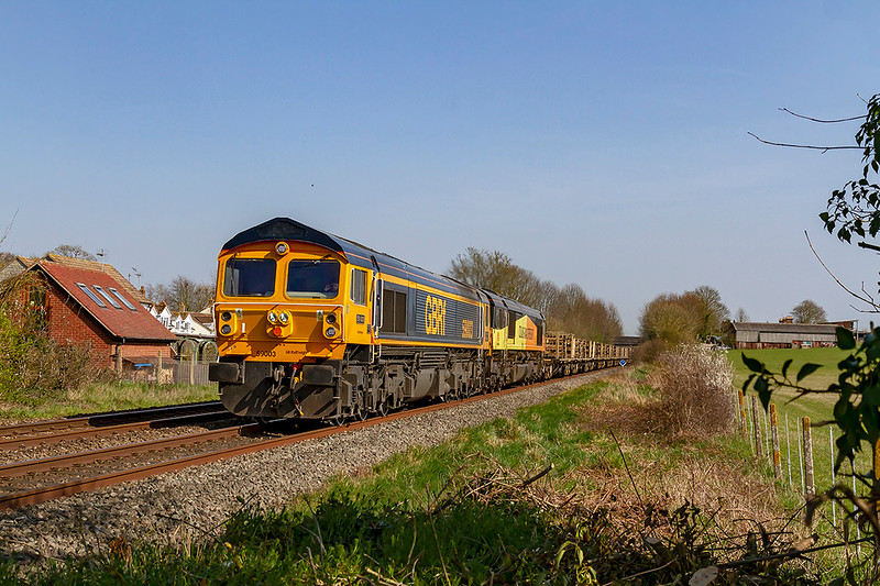 1st Apr 2019:  Pictured from Townend Crossing in Wylye is 59003 as it works the return leg of the new GBRf service between Westbury and Eastleigh.  6V40 had 66846 tucked inside which makes a nice contrast to 'Yeoman Highlander'
