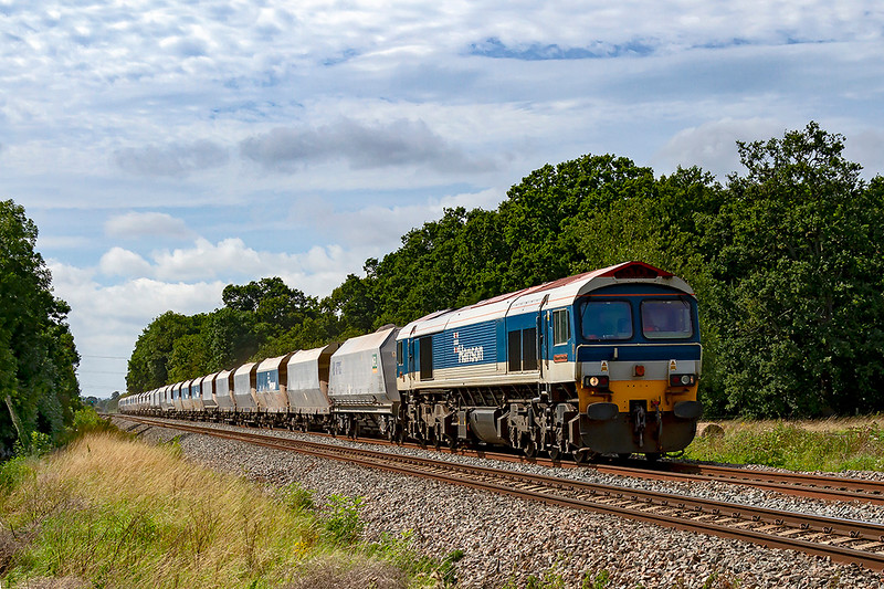 30th Aug 2019:  6L21 from Whatley Quarry to Dagenham Dock is being powered by 59104 and is pictured as it nears Fairwood Junction.