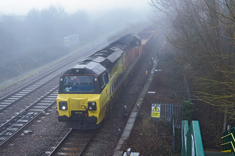 14th Feb 2019:  With a forecast of wall to wall blue it was dissapointng to find that the morning was wall to wall fog. 70817 is at Didcot North Junction as it works 6M40 from  Westbury to Bescot.