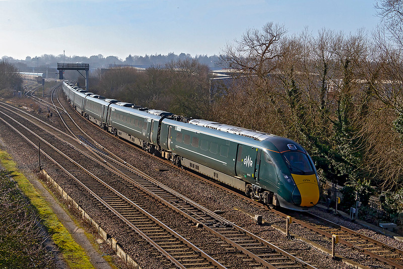 14th Feb 2019:  With the fog mainly faded away 1W01 the 10.22 to Hereford from Paddington in the hands of 800321 is getting away from Didcot on time.