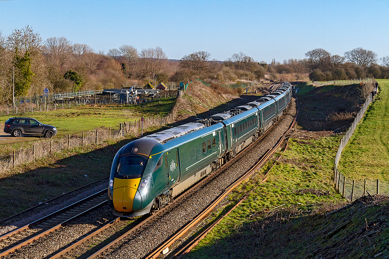 17th Jan 2019:  1C77 is the 10.33 Paddington to Paignton that has become a regular IET turn.  800319 is doing the homours agin and is pictuered at  runs through Hungerford