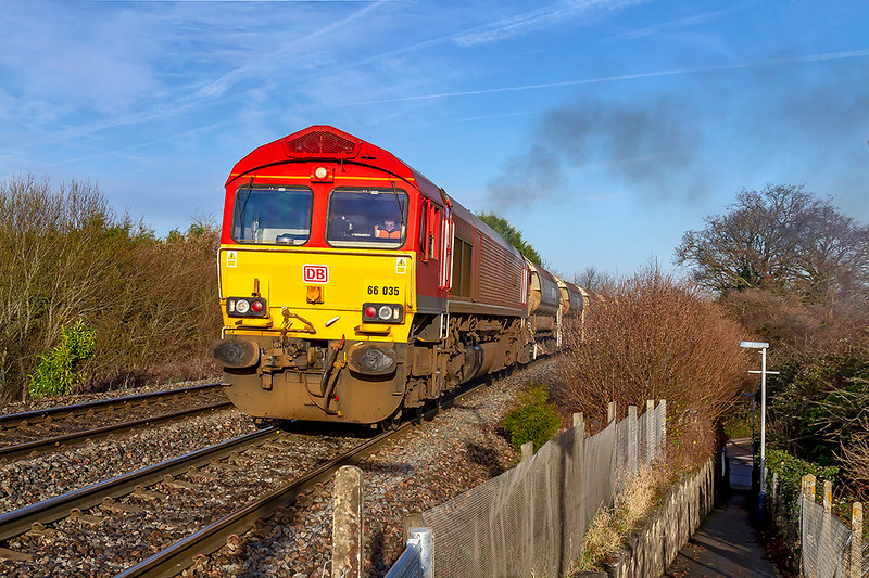8th Jan 2019:  Working very hard as it climbs through Dilton Marsh is 66035 as it works to Eastleigh.   6O41is loaded with a long rake of autobalasters  and quite a number of JNAs.