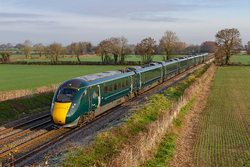 4th Jan 2019:  It is quite the norm now for 1C77 the 10.33 Paddington to Paignton to be an IET.  800317 is racing though Edington at line speed as the Westbury stop will not happen because the signalling system has gone FUT.