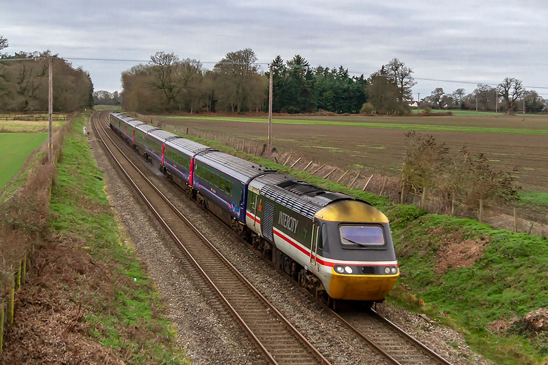 3rd Jan 2019: Celebrity HST 43185 is leading on 1A81 that started from Penzance at 07.41 and will get to Paddington at 13.18.  The location is Manningford Burce just west of Pewsey. 43002 will be leading when it returns to the west
