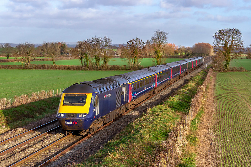 8th Jan 2019:  43022 at Edington as it leads on 1C82 the 13.03 Paddington to Plymouth.  43171 is on the other end.