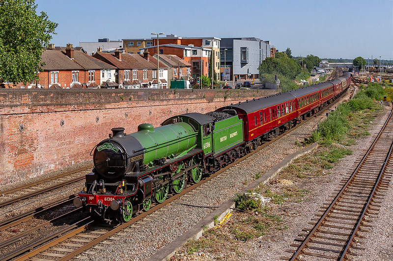 27t5h Jun 2019:  LNER B1  61306 Mayflower is charging through Eastleigh as it works  tpo Weymouth from Princes Risborough