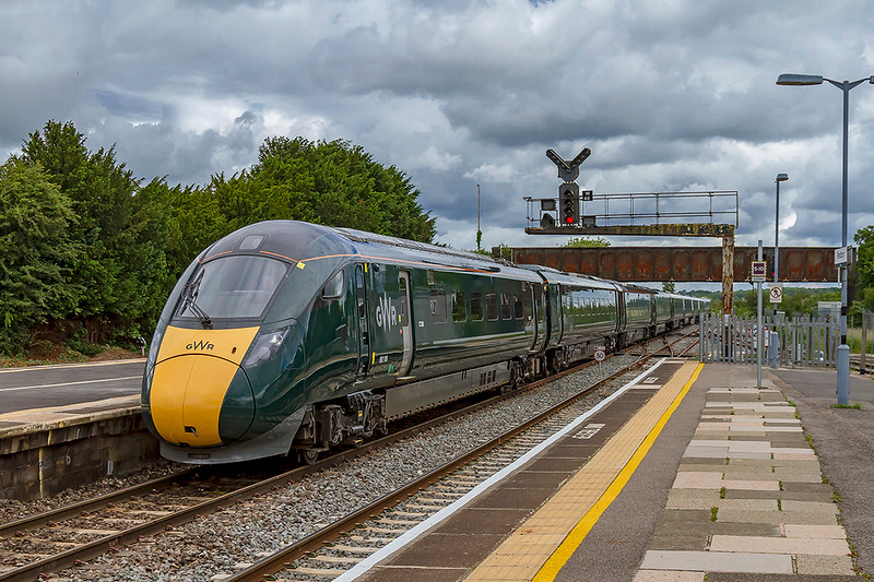 20th Jun 2019: 802108 arrives at Westbury as it makes for Paignton with 1C77 the 10.33 from Paddington