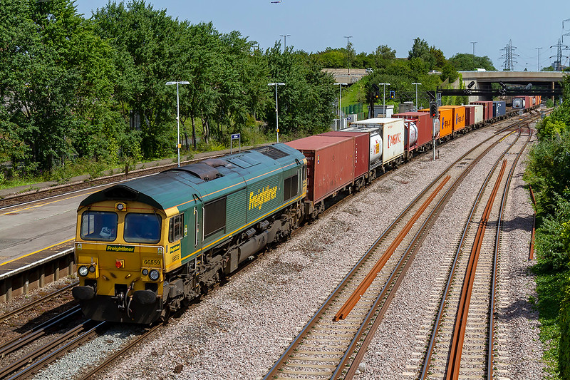 27th Jun 2019:  Running through Millbrook is 66559 wirh 4O49 from Crewe Basford Hall to Southamptom MCT.  Iwonder haw many times this loco has headed this service ?