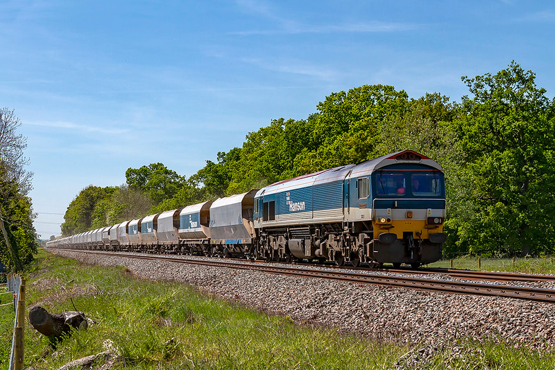 14th May 2019:  Witha over 4000 tons in tow 59103 is slowing as it approaches Fairwood Junction.  6C31  is going to Dagenham Dock A.R.C from Whatley Quarry