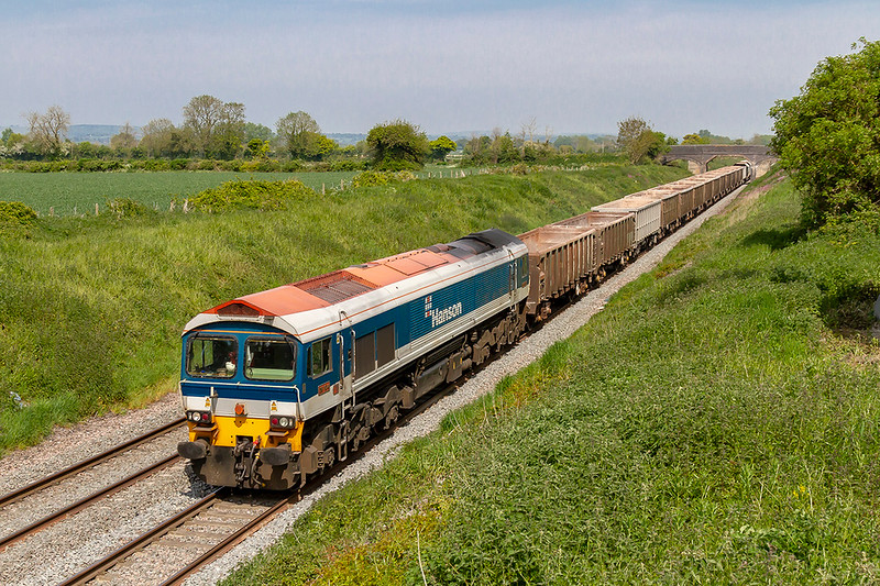 15th May 2019:  59104 is tasked with working 7C77 to Merehead fron Acton and as it passes Lambourn Lane in Edington it as actually 8 minutes early.. I wonder in the last 30 years or so it has worked this service.