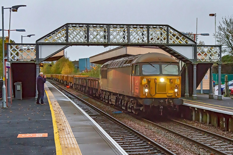 1st November 2019:  Despatatley neading a good wash is 56090 captured at Warminster as it  brings 6V41 back to Westbury fron Eastleigh.  On a very crappy day the light was failing fast so iso 6400 was required.