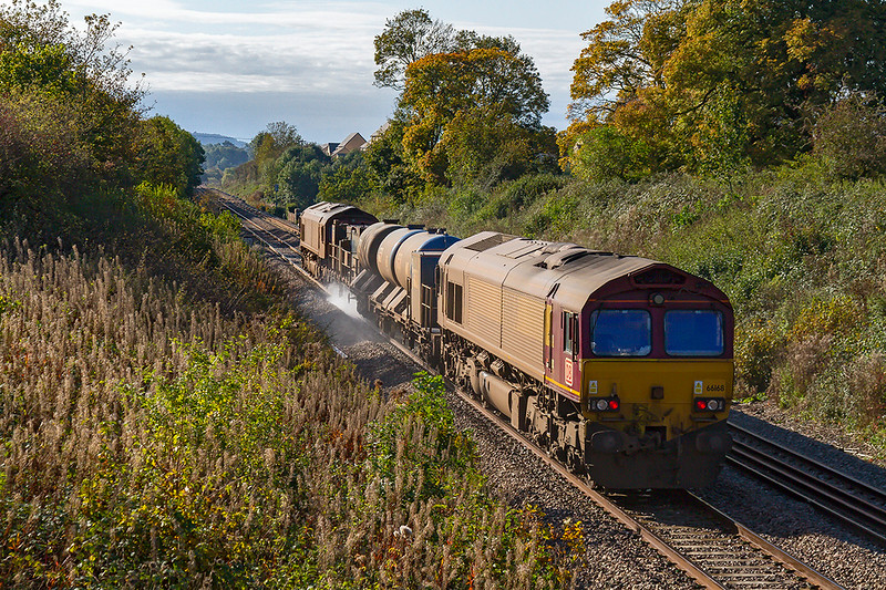 22nd Oct 2019:  66068 is on the rear of 3J13 on the Frome Avoider as it heads towards Blatchbridge Junction as it works 3J13 from Westbury to Par.  66060 is on the front.