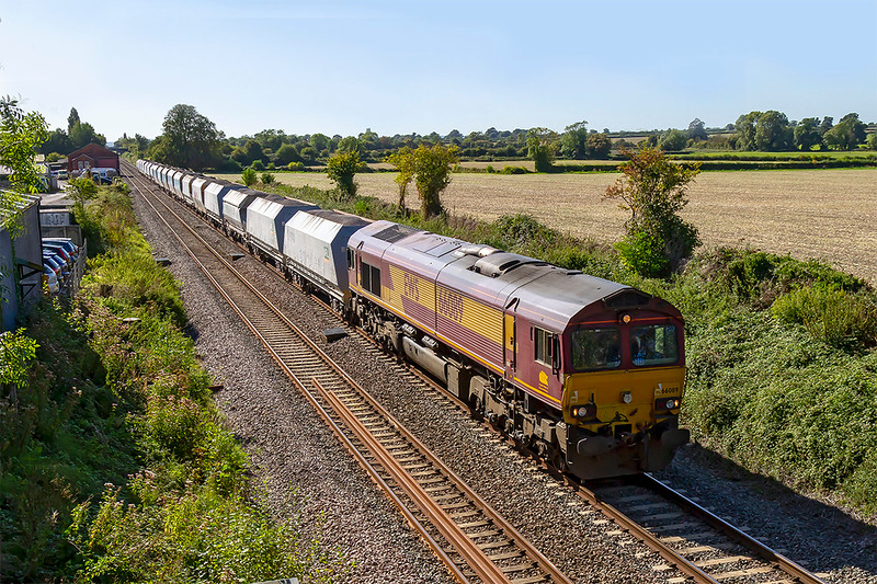 13th Sep 2019:  66089 is working 1A83 the 13.26 from Avonmouth Bennets Siding to West Drayton ARC.  Pictured as it passes the site of Edington & Bratton station platforms.