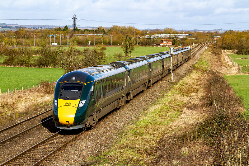29th Feb 2020:  An IET on the section od the Wilts Somerset  & Weymouth line through Heywood means that there are diversions in place 800306 is working 1L10 the 0722 from Swansea to Paddington through Heywood..