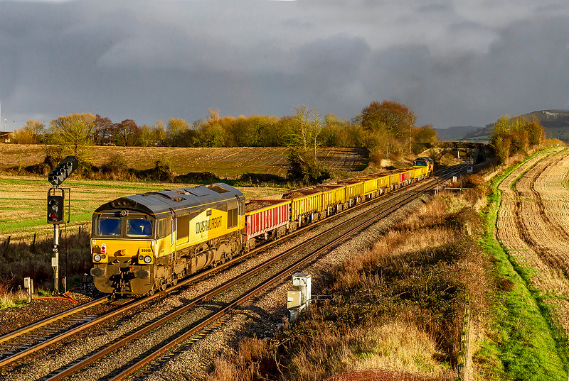 13th Jan 2020:  66859 brings up the rear of 6C22 from Exeter Riverside to Westbury at Fairwood.  70907 is leading