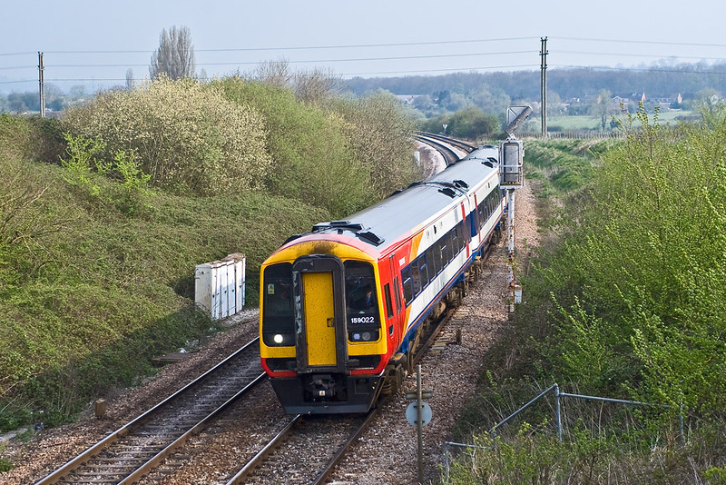 7th Apr 07:  159022 approaches Hawkeridge Junction working from Bristol to Waterloo
