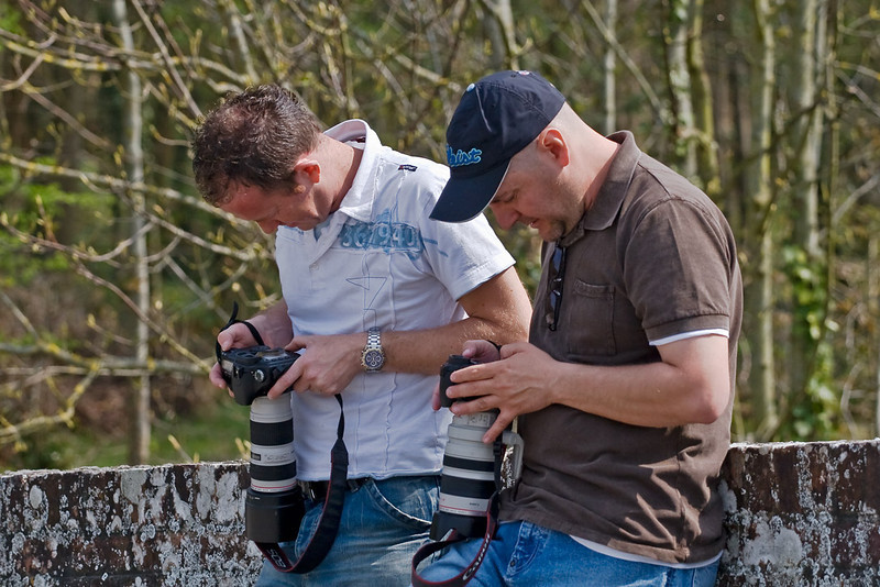 12th Apr 07:  Roger and Pete checking for sharpness?