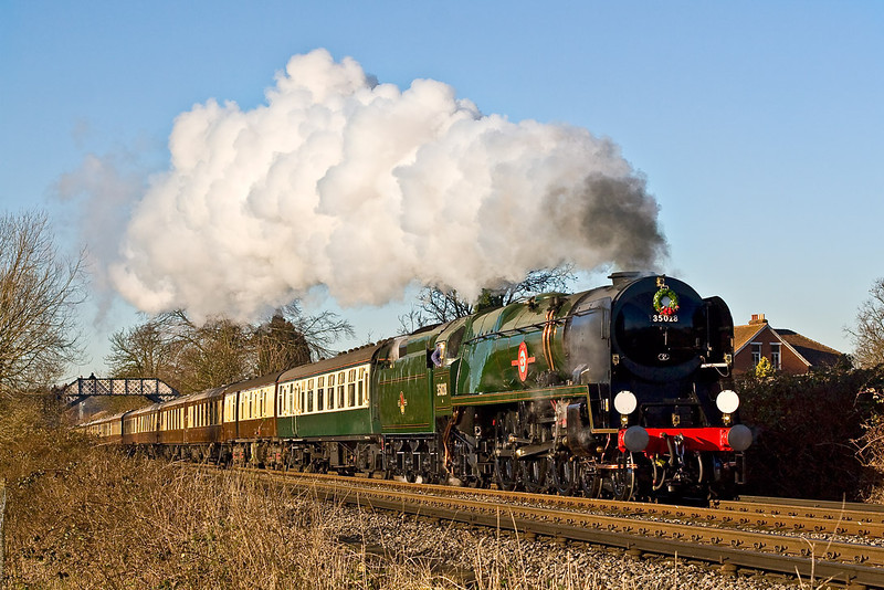 11th Dec 07:  35028 'Clan Line' with the VSOE Surrey Hills Luncheon Express.  Two Southern locos on Southern metals within 90minutes and the weather to boot.  Magic