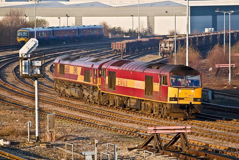 16th Dec 07:   60024 and 66060 slowley run through the yard