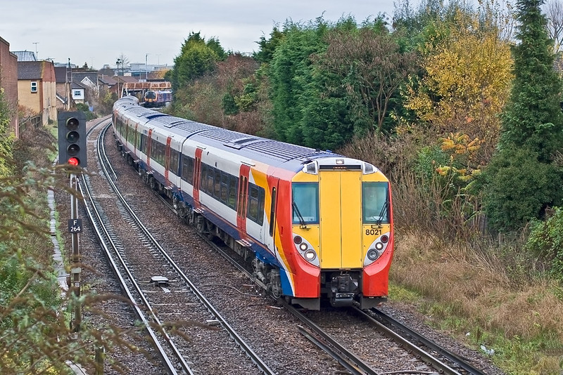 28th Nov 07:  Only included here as 458021 was the last Juniper that I neaded to photograph to complete the set.  458027 is at the rear