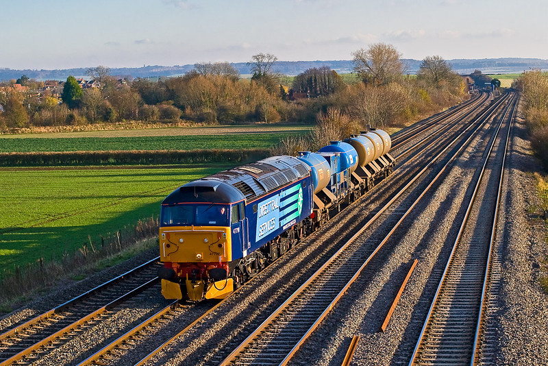 15th Nov 07:  47790 returns to York with some dirty Water Cannon containers
