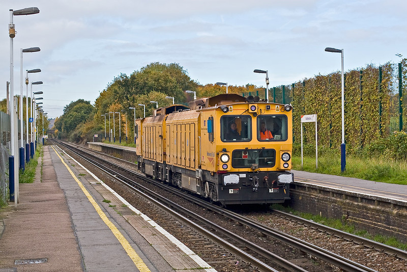 2nd Nov 07:  A Rail Grinder  heads south through Addlestone