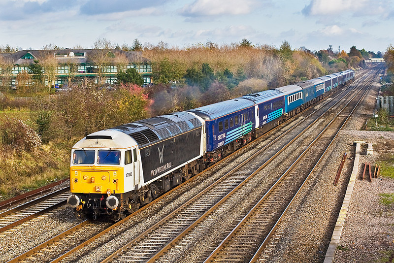 22nd Nov 07: In Victa Westlink livery 47532 powers the Hertfordshire Railtours trip from Stevenage to Oxford.