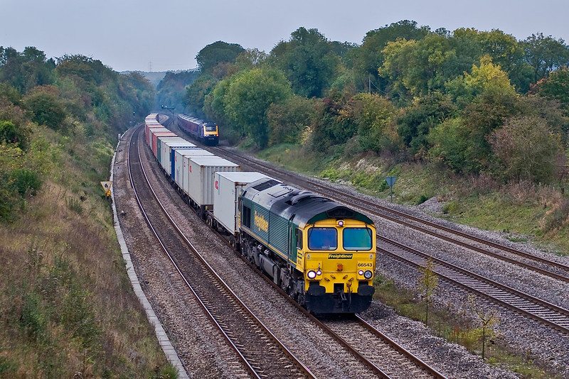15th Oct 07:   The 13.00 Southampton to Trafford Park powered by 66543