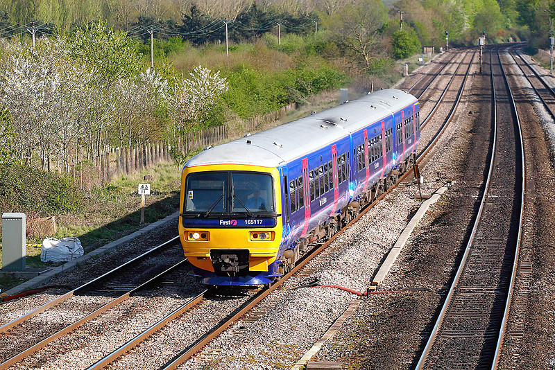 19th Apr 07:  Re- branded 165117 makes for Banbury at Lower Basildon