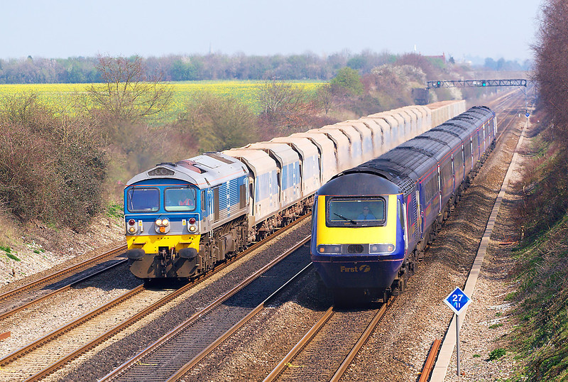 2nd Apr 07: 59004 on 7C77 Acton to Merehead is rapidly overtaken at Shottesbrooke Farm