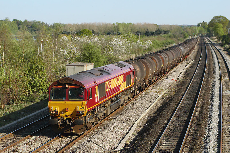 19th Apr 07: the 6M23 Fawley to Bromford Bridge bitumen tanks has an additional load in the form of a rake of Car Transport waggons