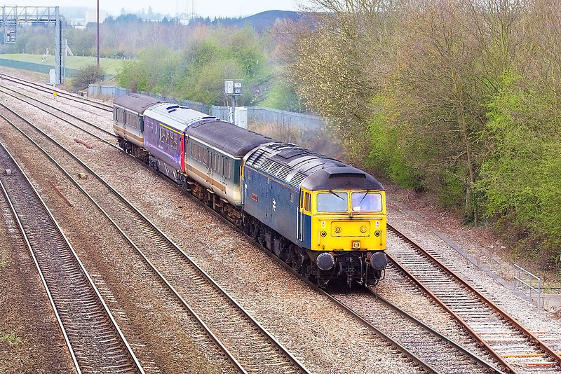 "7th Apr 07:  47840 ""North Star"" potters along the Up Loop at Didcot.  The FGW Buffet car is being taken from Laira to Old Oak Common.  It is due to move on to Ilford and then to Derby"