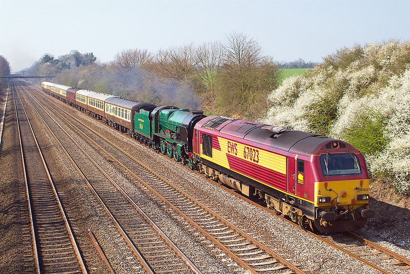 "2nd Apr 07:  Working as 5Z24 67023 leads 30850 ""Lord Nelson"", in light steam, from Eastleigh to Old Oak Common"