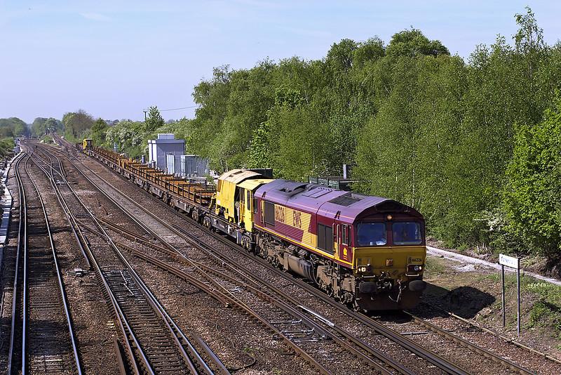 30th Apr 07:  66226 brings a late running 6Y41 Eastlegh to Hoo Junction across the junction